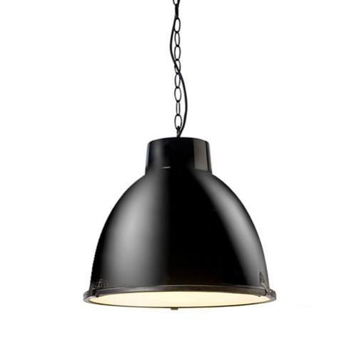 Stoere industriele hanglamp zw. keuken | Straluma
