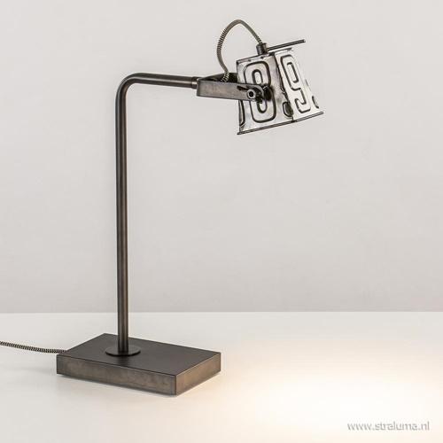 Stoere industriele tafel/bureaulamp black steel