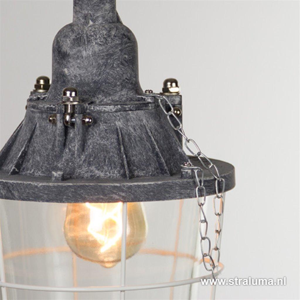 Industriele hanglamp lantaarn kooi beton