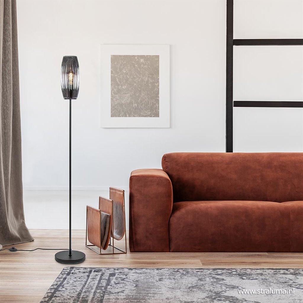 Moderne vloerlamp zwart met smoke glazen kap
