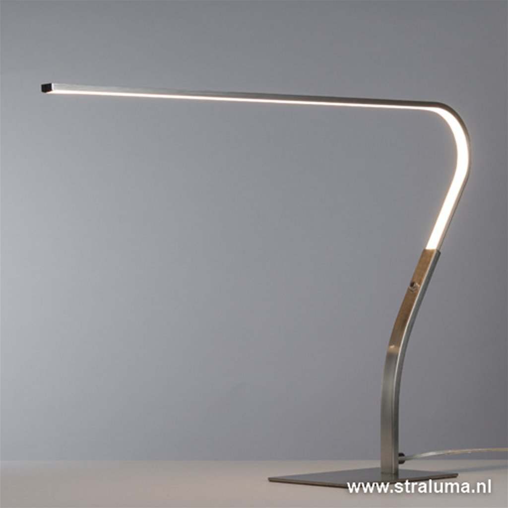 *Strakke moderne LED bureaulamp