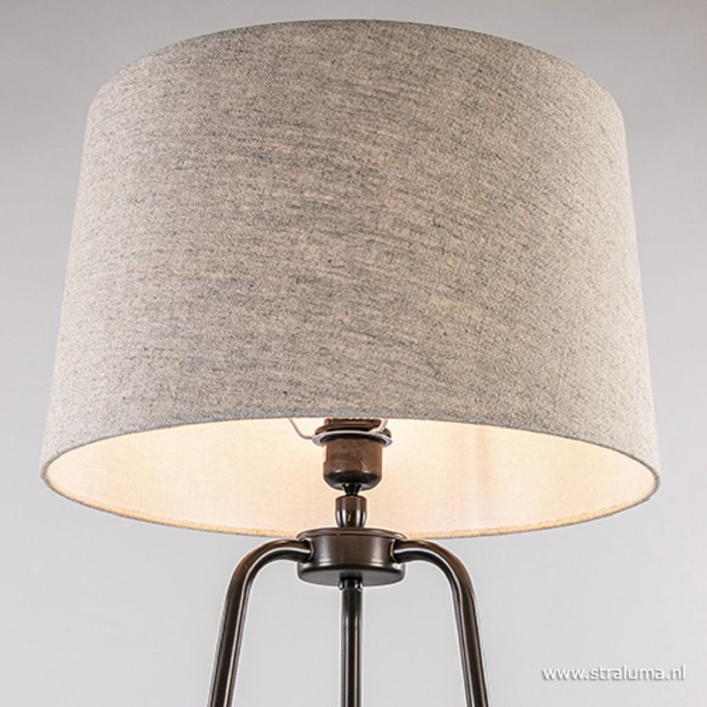 Landelijke vloerlamp driepoot met kap