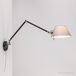 Zwarte wandlamp met kap verstelbaar
