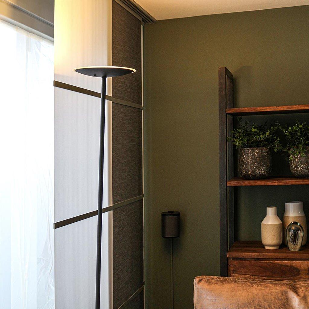 Scandinavische vloerlamp-uplighter zwart