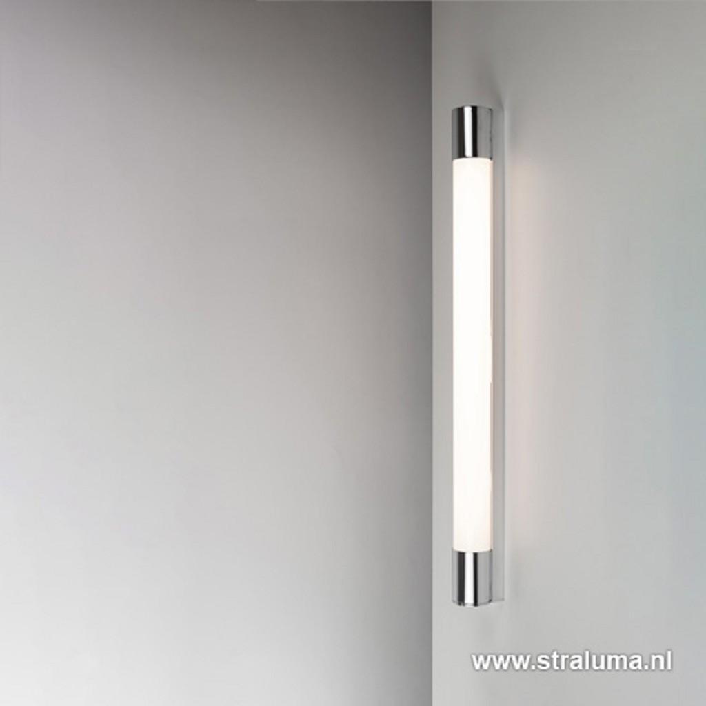 LED badkamer-wandlamp met stopcontact