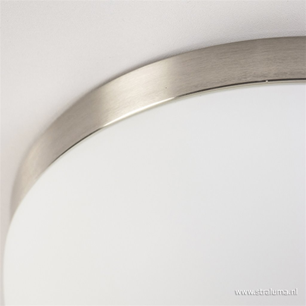 Plafondlamp nikkel met wit glas badkamer