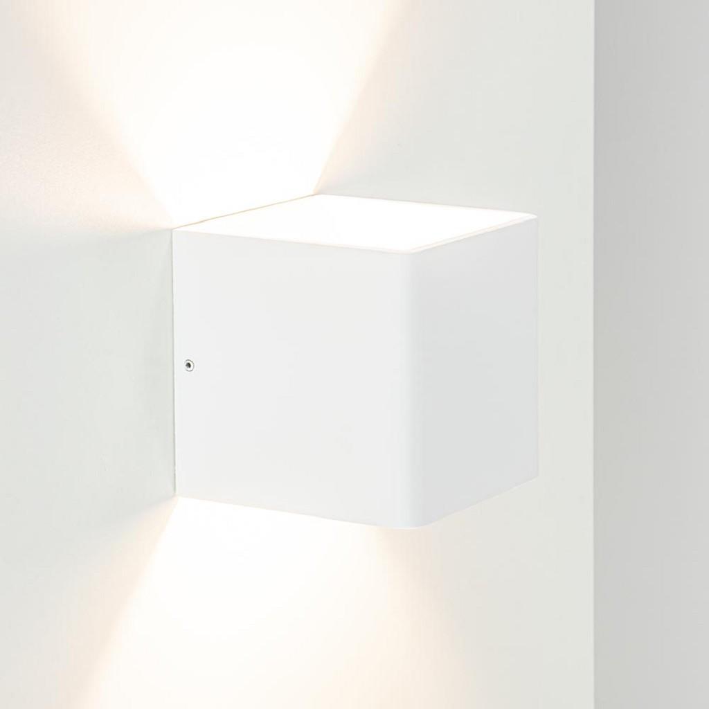 Vierkante wandlamp mat wit inclusief LED