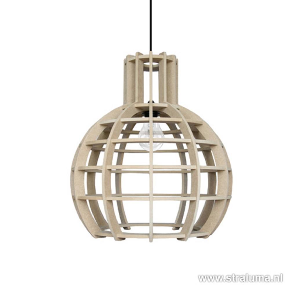 Hanglamp Globe Lingehof hout woonkamer