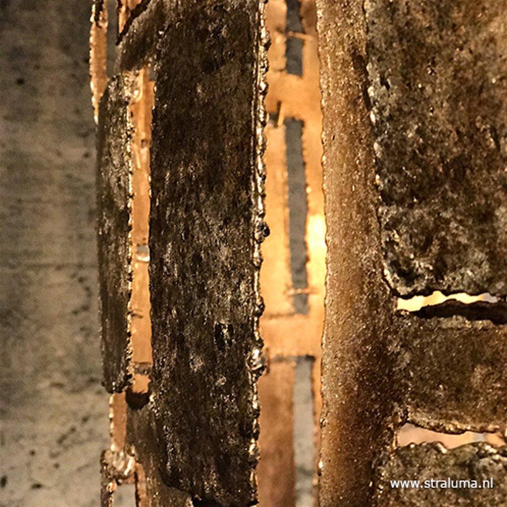 Metalen design vloerlamp oud zilver