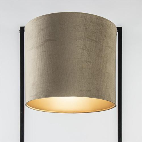 Zwarte vloerlamp Santos met licht bruine velourse kap