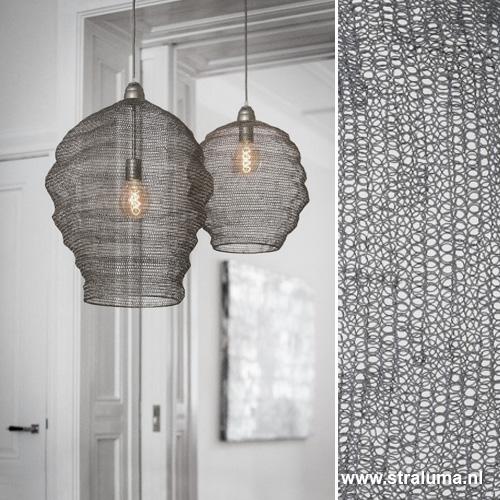 Grijze gaas hanglamp Nikki woonkamer | Straluma