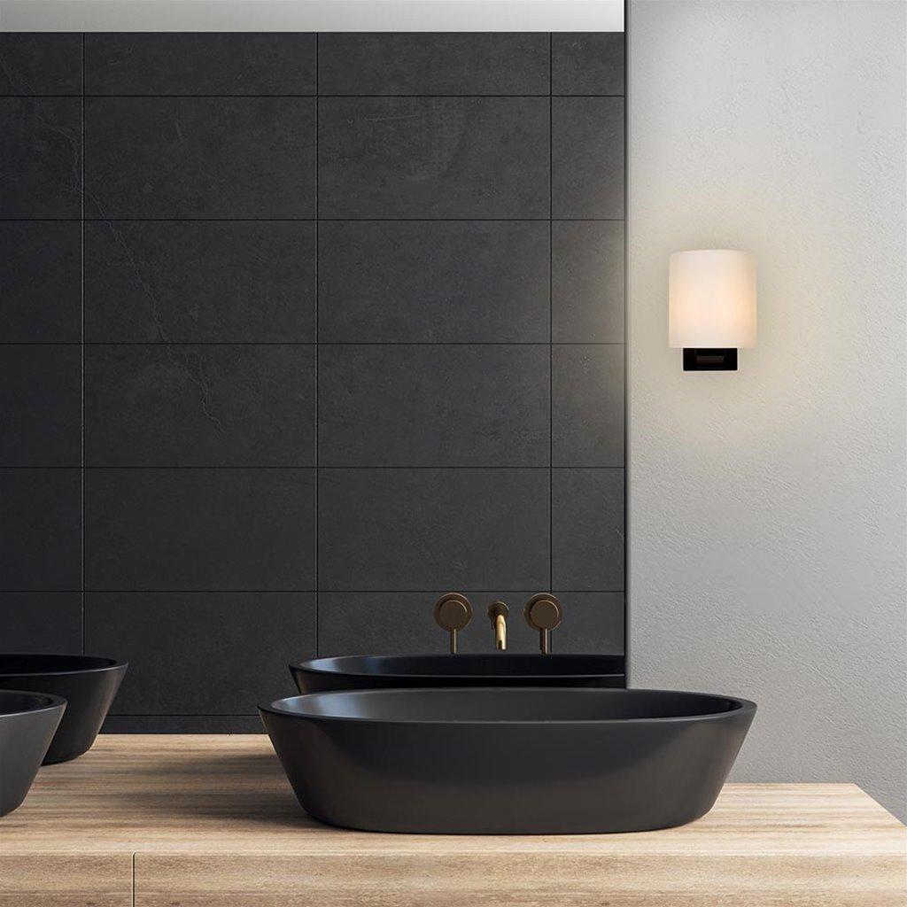 Badkamerwandlamp zwart met opaal glazen kap