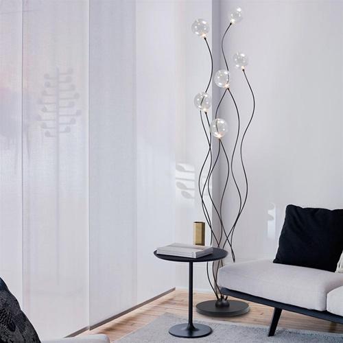 Sierlijke LED vloerlamp zwart met helder glazen bollen
