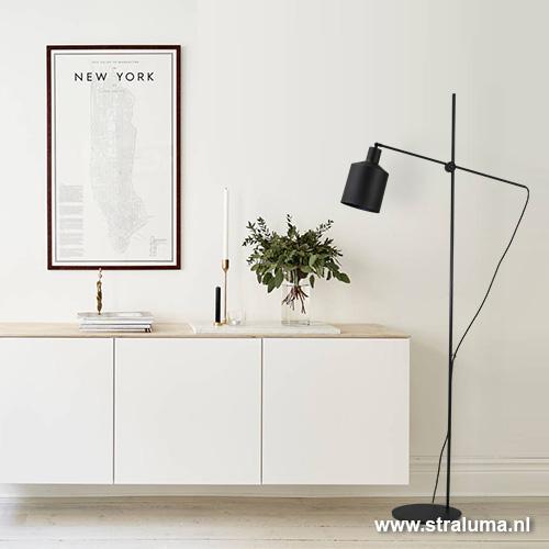 https://cdn.straluma.nl/_clientfiles/products/Detail/1376/large/13760415-detail4-moderne-zwarte-vloerlamp-schandinavisch.jpg