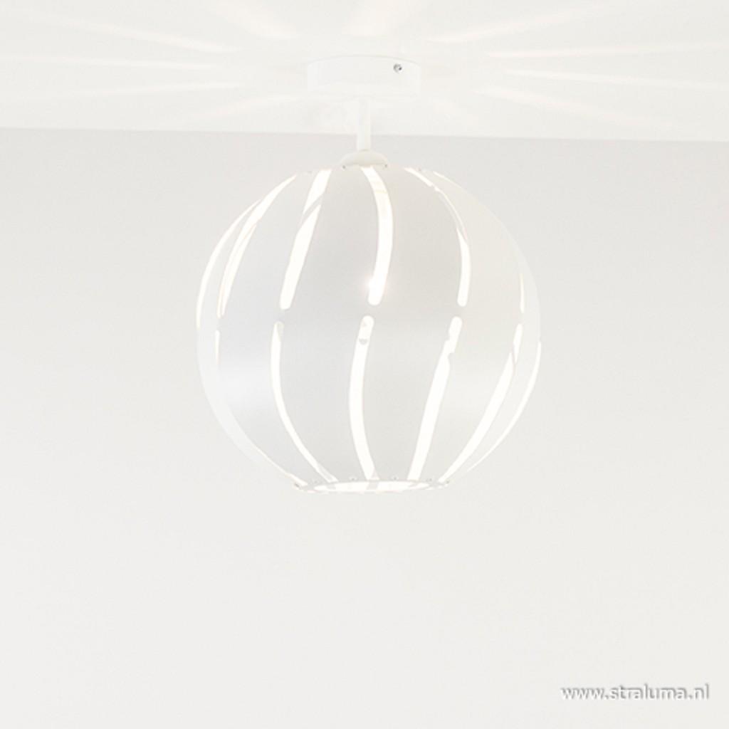 Scandinavische plafondlamp wit metaal