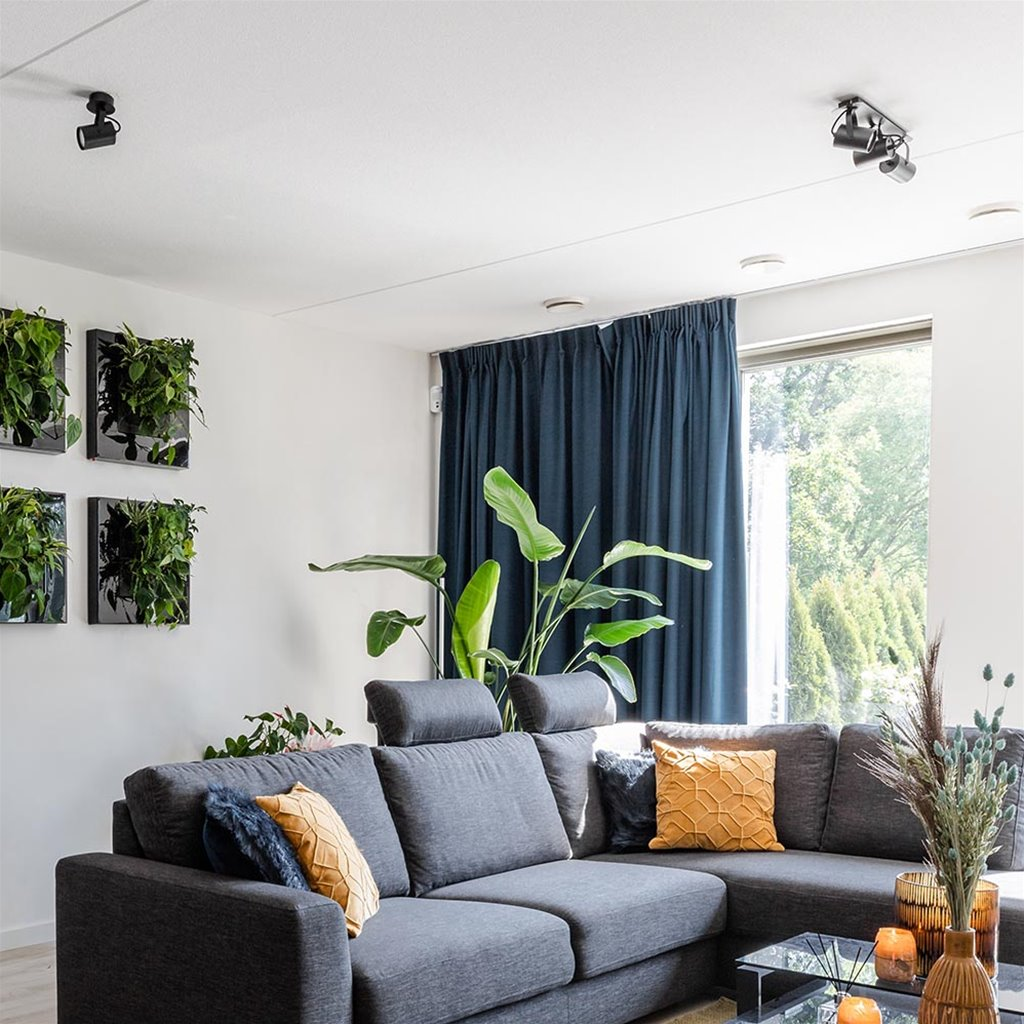 Zwart metalen plafondspot verstelbaar
