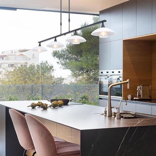 Dimbare LED hanglamp zwart metaal met wit glas
