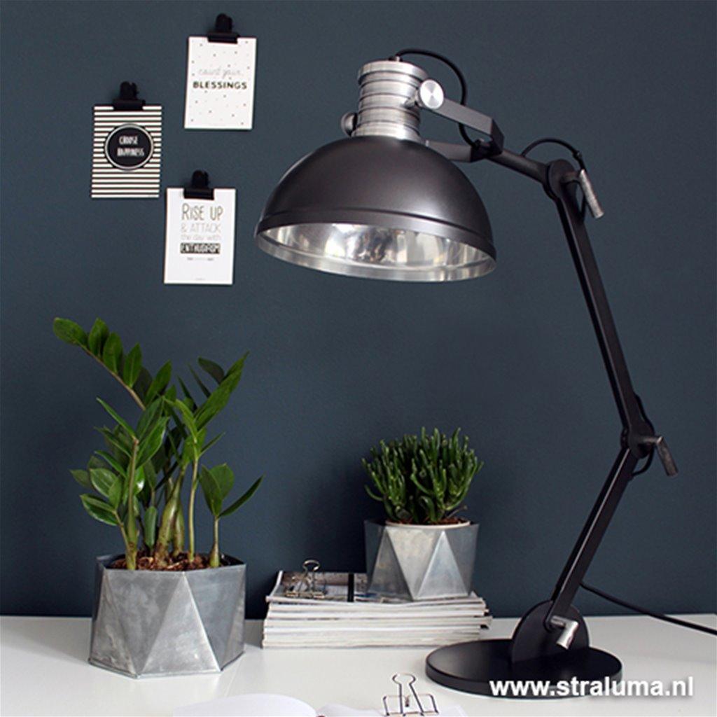 Zwarte industriële tafellamp kantoor