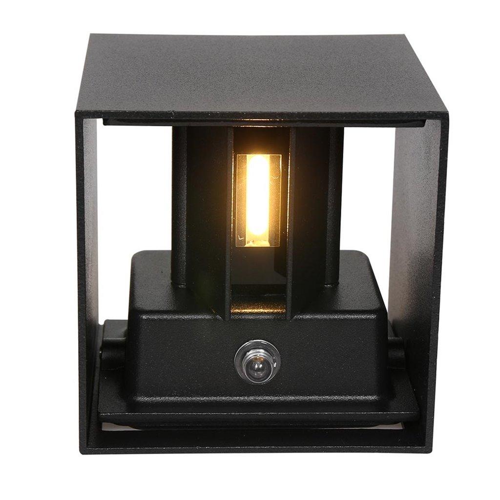 Metalen buitenlamp kubus zwart IP54 inclusief LED
