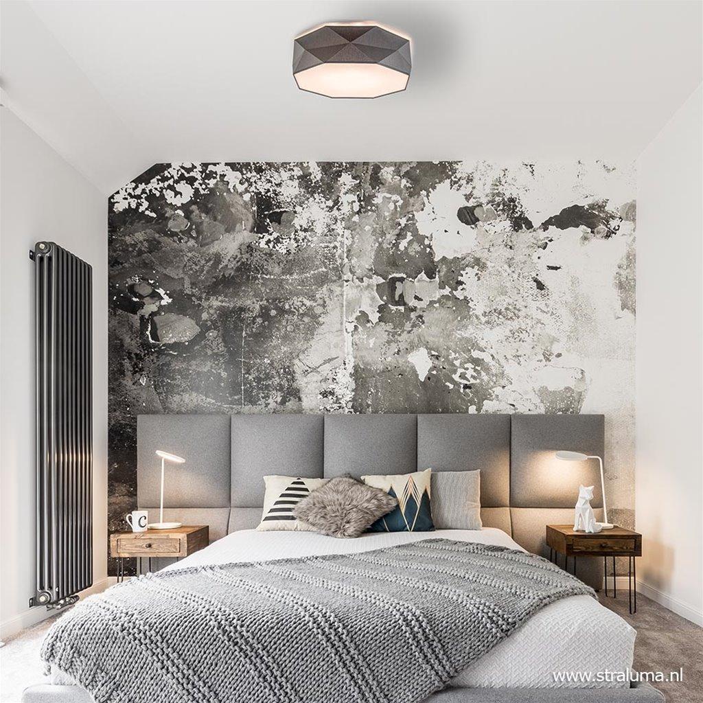 Moderne plafondlamp met abstracte kap