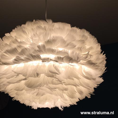 Trendy hanglamp ganzenveren slaapkamer | Straluma