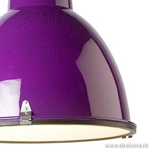 Industriele hanglamp paars tienerkamer
