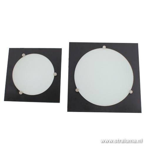 Vierkante plafondlamp zwart wit keuken