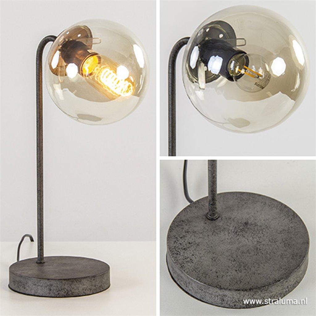 Tafellamp oud zilver met rond amber glas