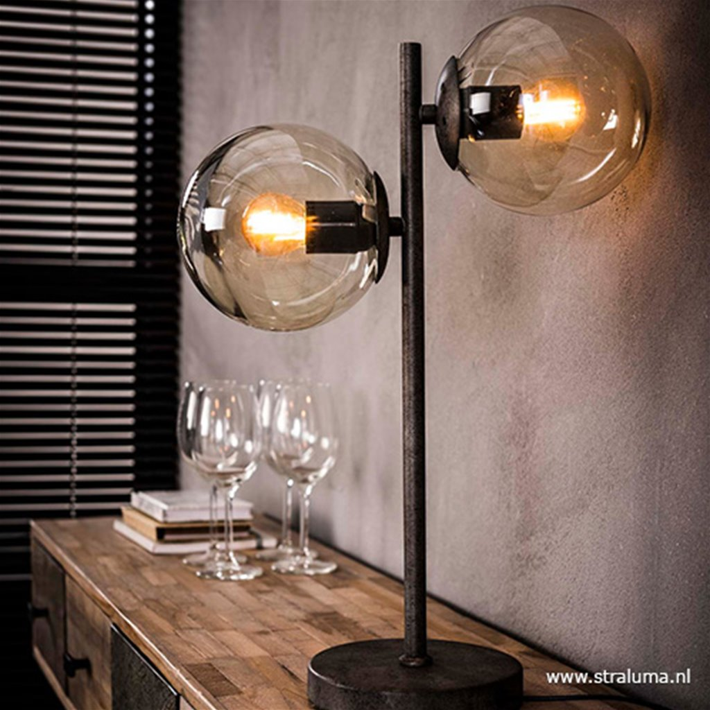 Stoere tafellamp oud zilver en rond glas