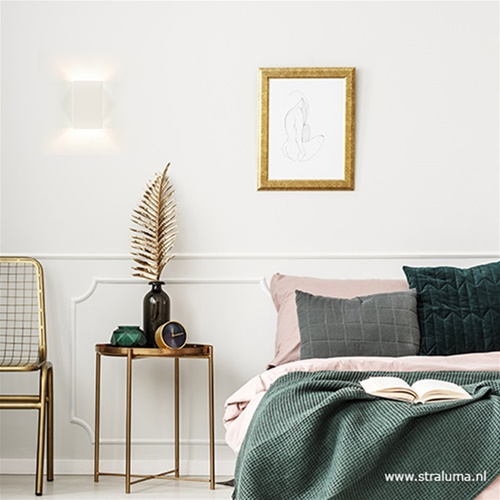 Witte wandlamp metaal up en down slaapkamer